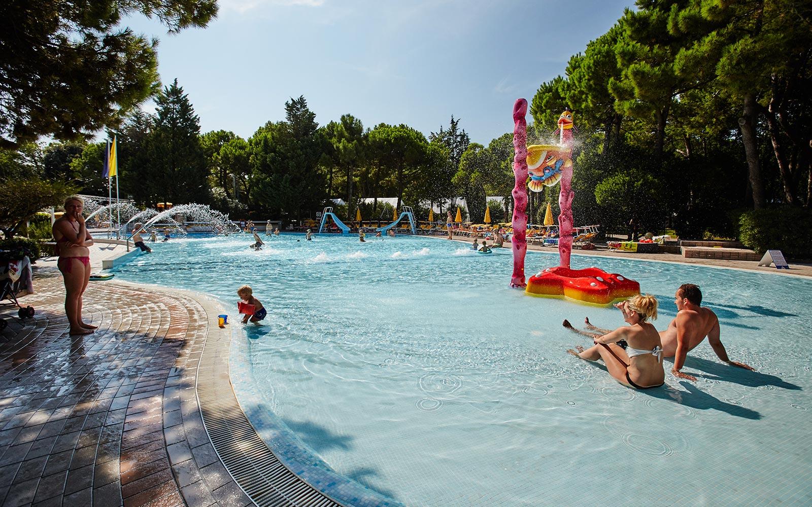 04. zwembaden vakantiedorp Cavallino