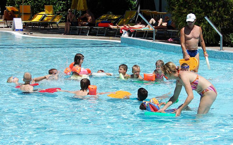 Scuola nuoto Camping Viollage Dei Fiori