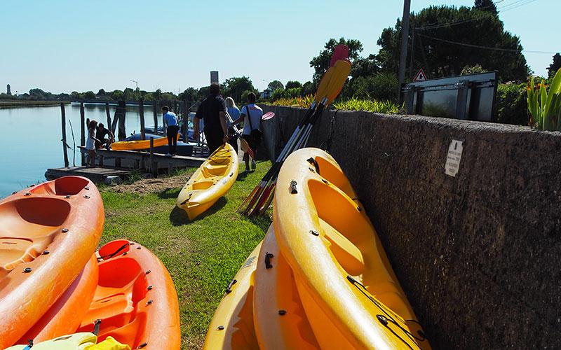 Canoa nella laguna di Venezia