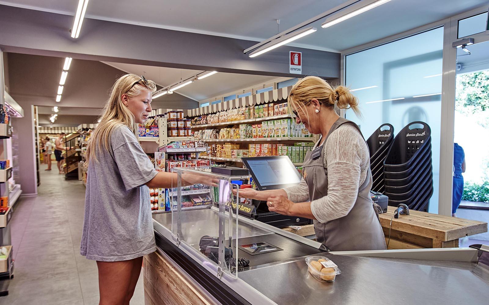 0-Einkaufen-Supermarkt-Campingplatz