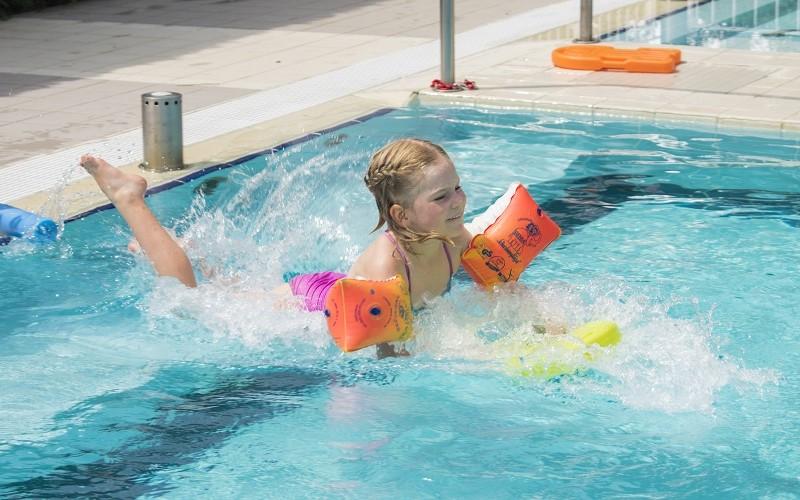 05-Learn-to-swim-Camping-Dei-Fiori