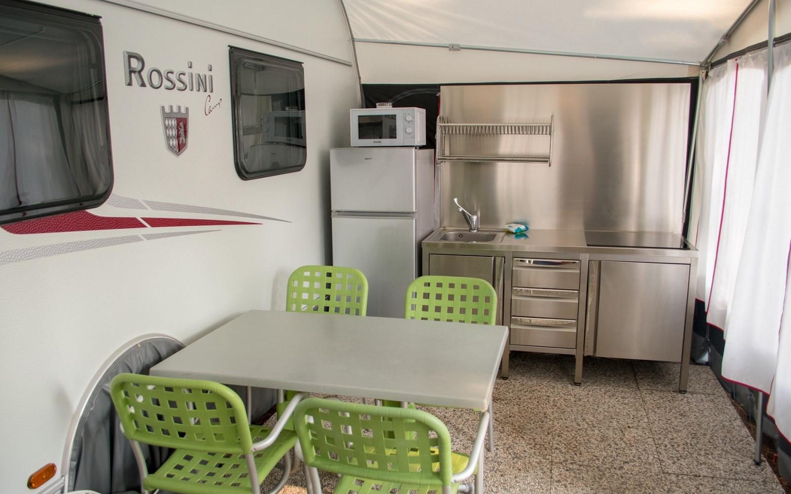 2-Caravan-Tabbert-Veranda-Küche-Cavallino-Jesolo-Camping