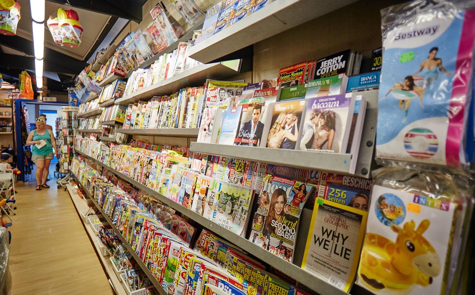 4-Newspapers-Zeitungen-Spiele-Games-Cavallino