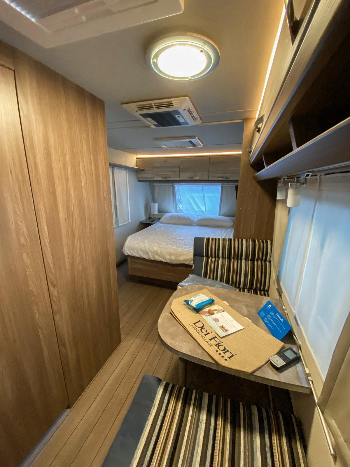 6-Soggiorno-Wohnzimmer-Living-Caravan-Tabbert-Camping-Dei-Fiori-Jesolo