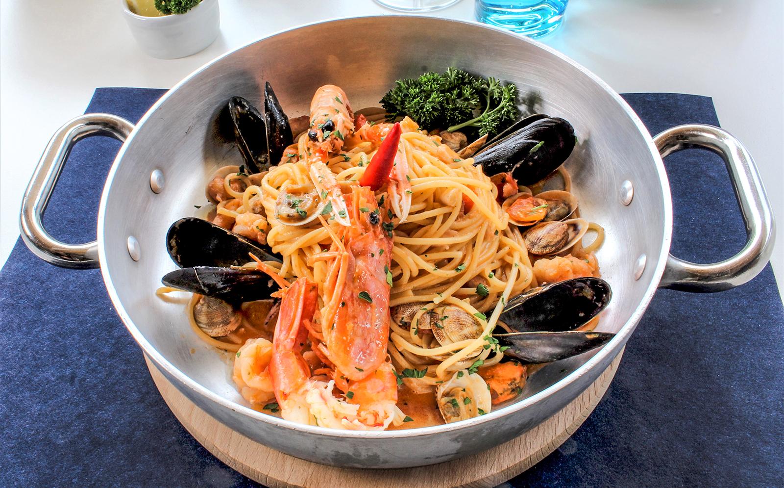 3-Pasta-specialty-fish-scogliera-Ristorante-dei-Fiori