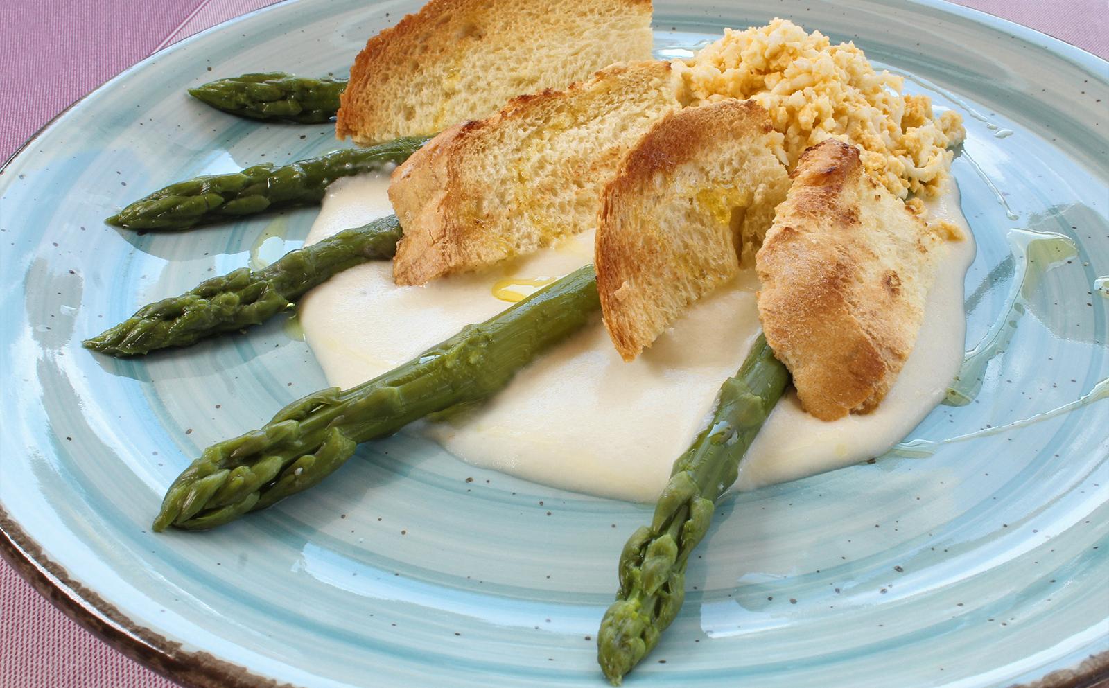 5-cheese-eggs-asparagus-Cavallino-tradition